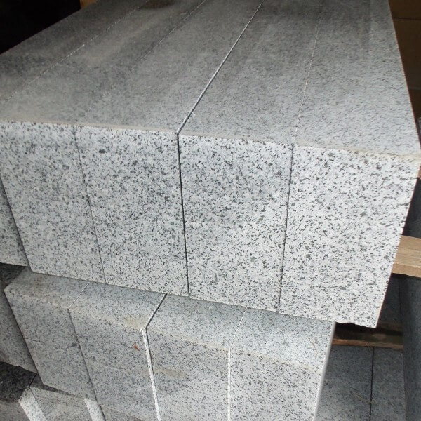 bordyur-granitnij-pokostivka